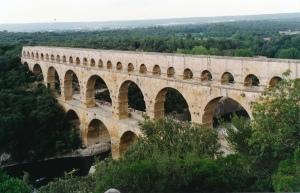 Photo of the ancient Roman Pont Du Gard,